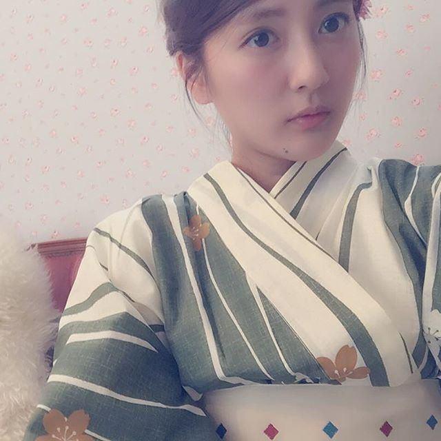 【生田佳那エロ画像】美しすぎるタクシードライバーとして注目されているグラビアアイドル 73