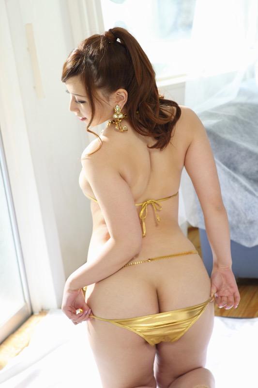 【佐山愛グラビア画像】めちゃシコHカップ爆乳が綺麗で柔らかそうなセクシーお姉さん 10