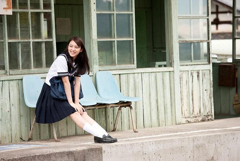 【武井咲グラビア画像】一児の母とは思えない可愛くてセクシーな一面も魅せるファッションモデル