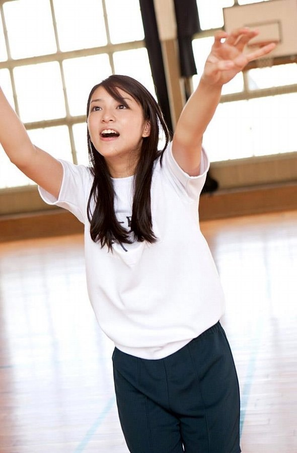 【武井咲グラビア画像】一児の母とは思えない可愛くてセクシーな一面も魅せるファッションモデル 09