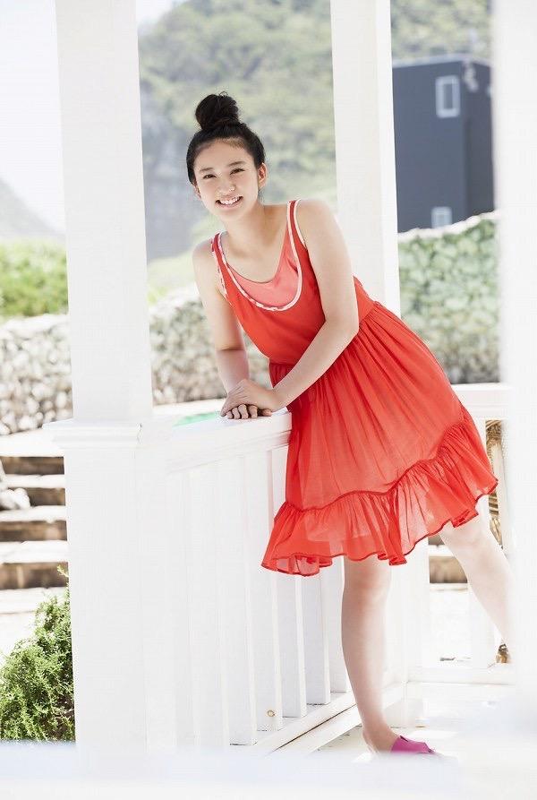【武井咲グラビア画像】一児の母とは思えない可愛くてセクシーな一面も魅せるファッションモデル 43