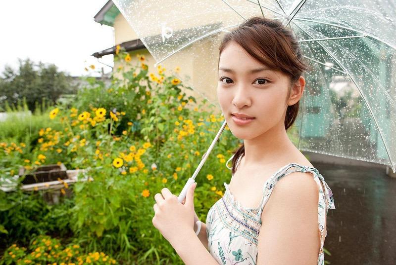 【武井咲グラビア画像】一児の母とは思えない可愛くてセクシーな一面も魅せるファッションモデル 78