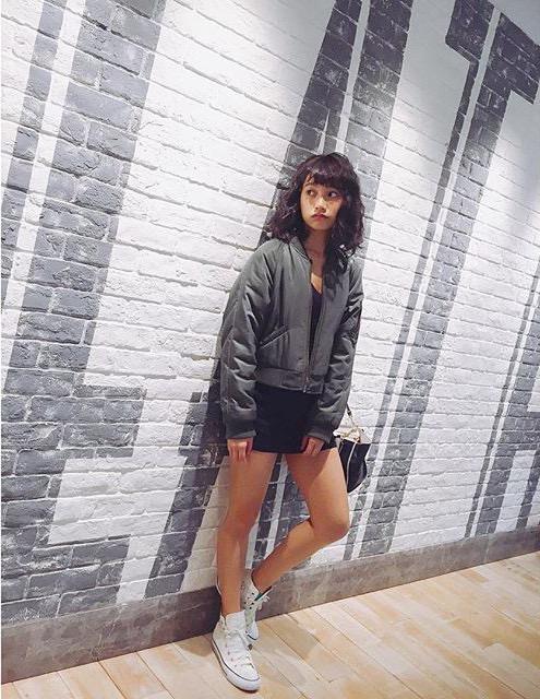【武田あやなエロ画像】フィリピンハーフのスレンダー美女が魅せるセクシー水着グラビア 24