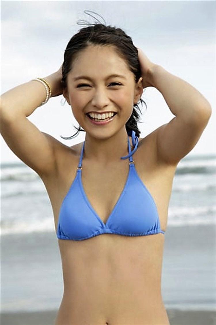 【武田あやなエロ画像】フィリピンハーフのスレンダー美女が魅せるセクシー水着グラビア 42
