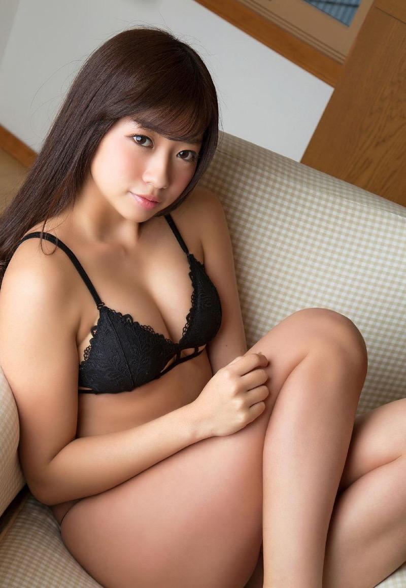 【大貫彩香グラビア画像】適度なサイズのオッパイが人気でお尻もエロいグラビアアイドル 41