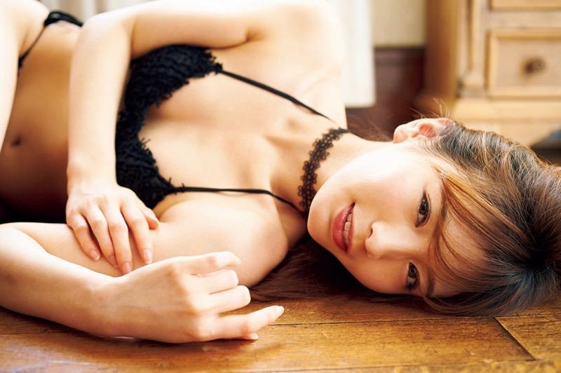 【ほのかグラビア画像】綺麗でしなやかなスレンダーBカップボディがソソるグラビアモデル 14
