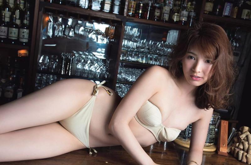 【ほのかグラビア画像】綺麗でしなやかなスレンダーBカップボディがソソるグラビアモデル 18