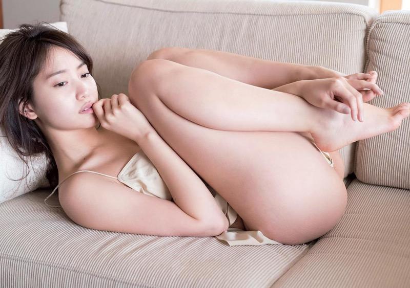【永尾まりやグラビア画像】元AKB48アイドルが魅せるビキニやランジェリー姿のセクシーショット! 06