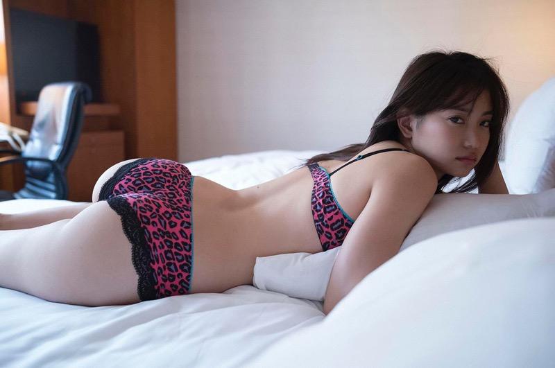 【永尾まりやグラビア画像】元AKB48アイドルが魅せるビキニやランジェリー姿のセクシーショット! 10