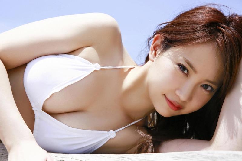 【永尾まりやグラビア画像】元AKB48アイドルが魅せるビキニやランジェリー姿のセクシーショット! 16