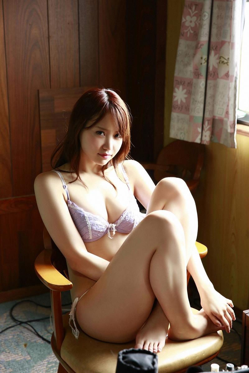 【永尾まりやグラビア画像】元AKB48アイドルが魅せるビキニやランジェリー姿のセクシーショット! 20