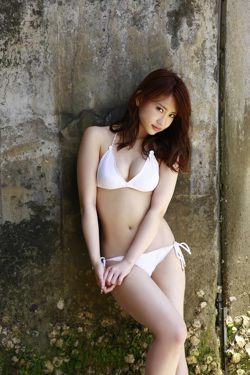 【永尾まりやグラビア画像】元AKB48アイドルが魅せるビキニやランジェリー姿のセクシーショット! 25