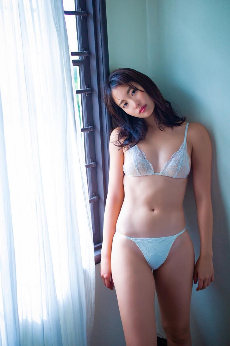 【永尾まりやグラビア画像】元AKB48アイドルが魅せるビキニやランジェリー姿のセクシーショット! 38