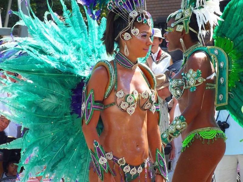 【素人サンバエロ画像】サンバカーニバルで大衆の前で大胆に身体を晒す露出女! 21