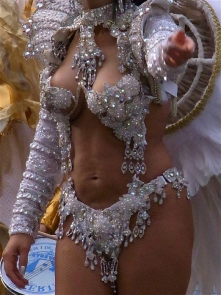 【素人サンバエロ画像】サンバカーニバルで大衆の前で大胆に身体を晒す露出女! 46