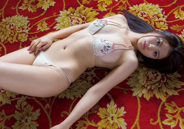 【西崎莉麻エロ画像】スレンダーなクビレボディにEカップ巨乳がエロいグラビアアイドル