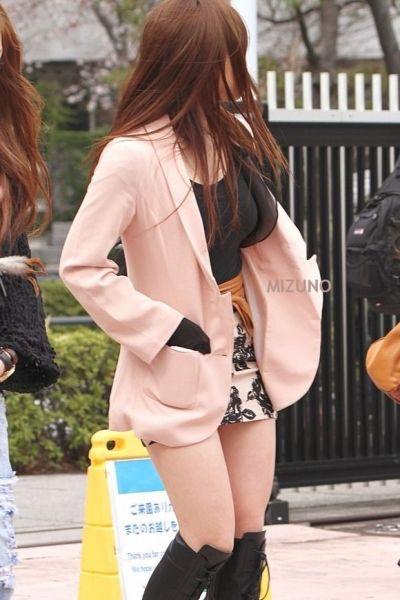 【ミニスカエロ画像】春になってパンチラも気にせずミニスカートに穿き替える素人娘たち 11