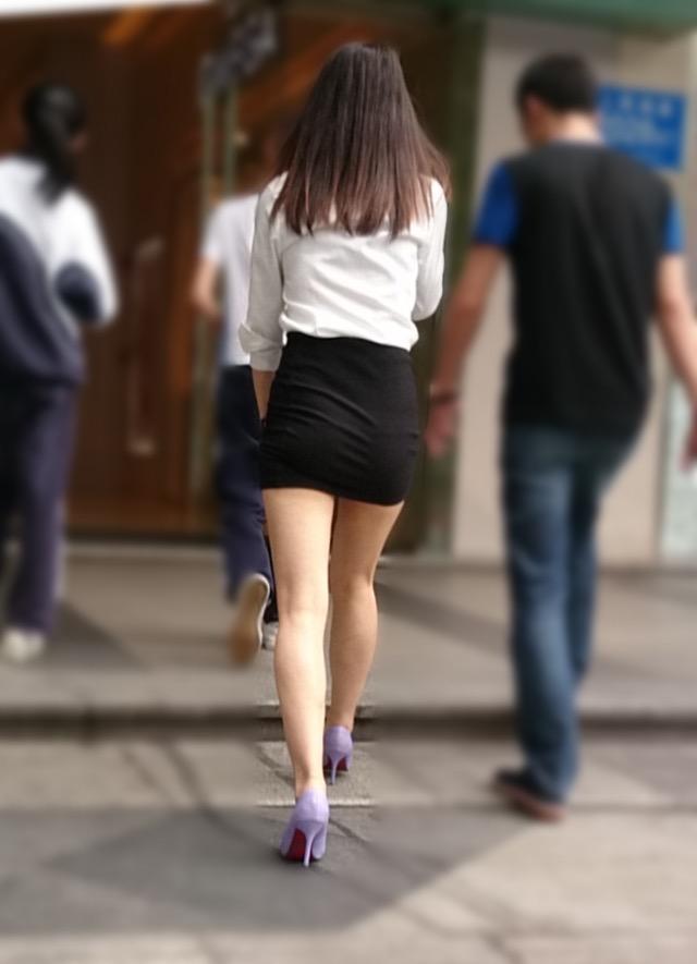 【ミニスカエロ画像】春になってパンチラも気にせずミニスカートに穿き替える素人娘たち 57