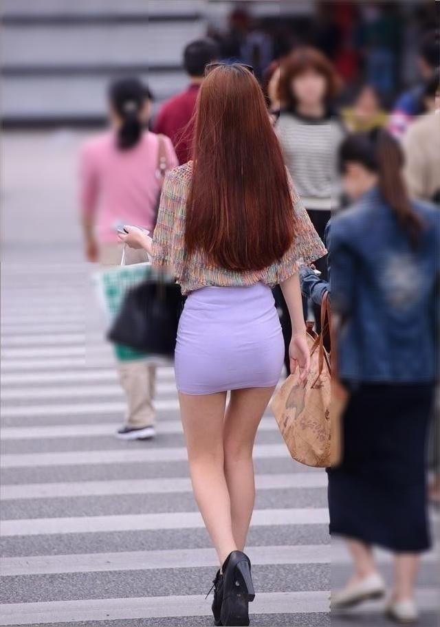 【ミニスカエロ画像】春になってパンチラも気にせずミニスカートに穿き替える素人娘たち 58