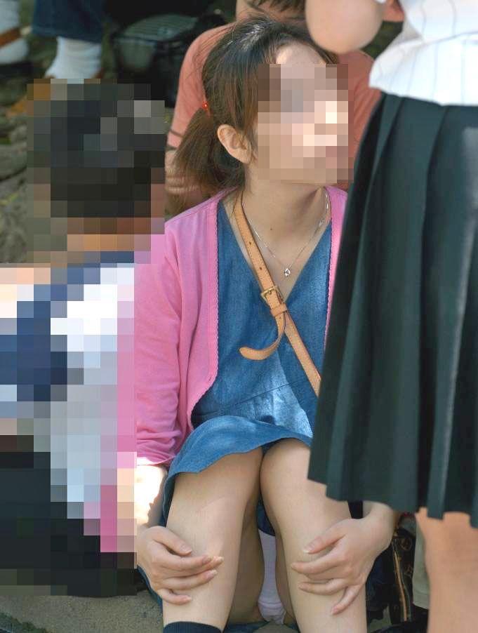 【ミニスカエロ画像】春になってパンチラも気にせずミニスカートに穿き替える素人娘たち 61