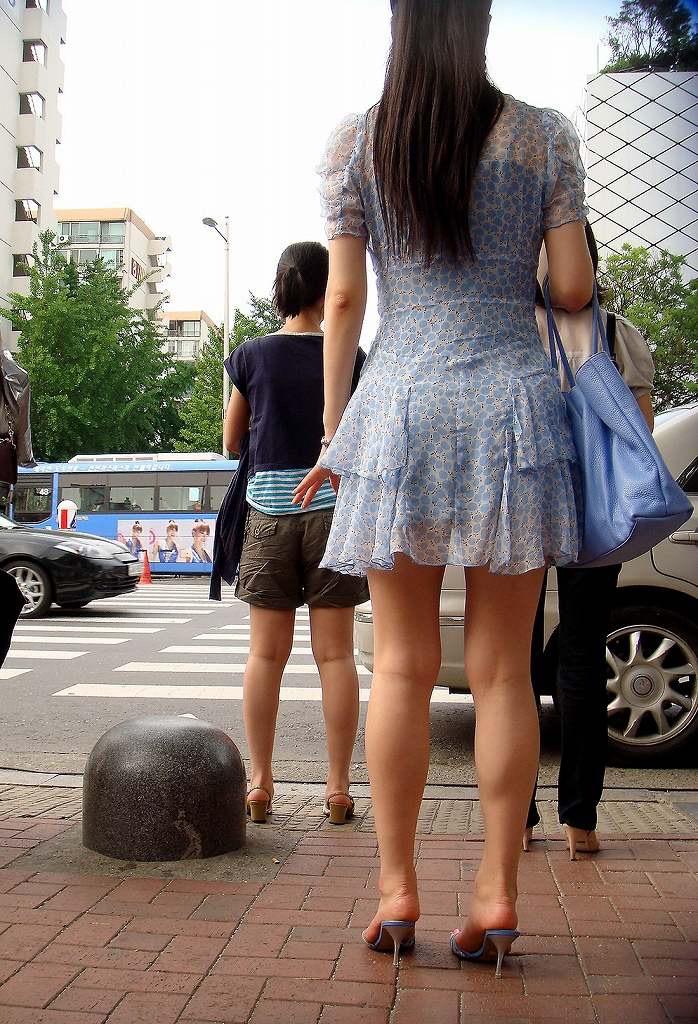 【ミニスカエロ画像】春になってパンチラも気にせずミニスカートに穿き替える素人娘たち 63