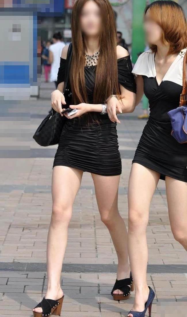 【ミニスカエロ画像】春になってパンチラも気にせずミニスカートに穿き替える素人娘たち 64