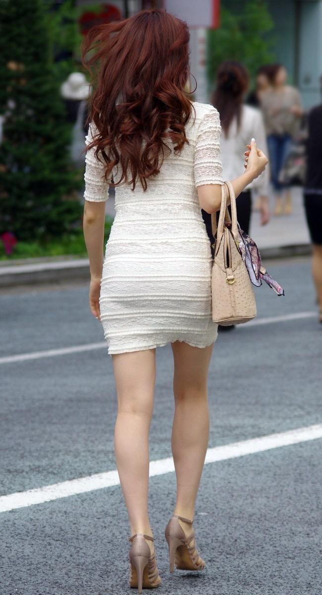【ミニスカエロ画像】春になってパンチラも気にせずミニスカートに穿き替える素人娘たち 68