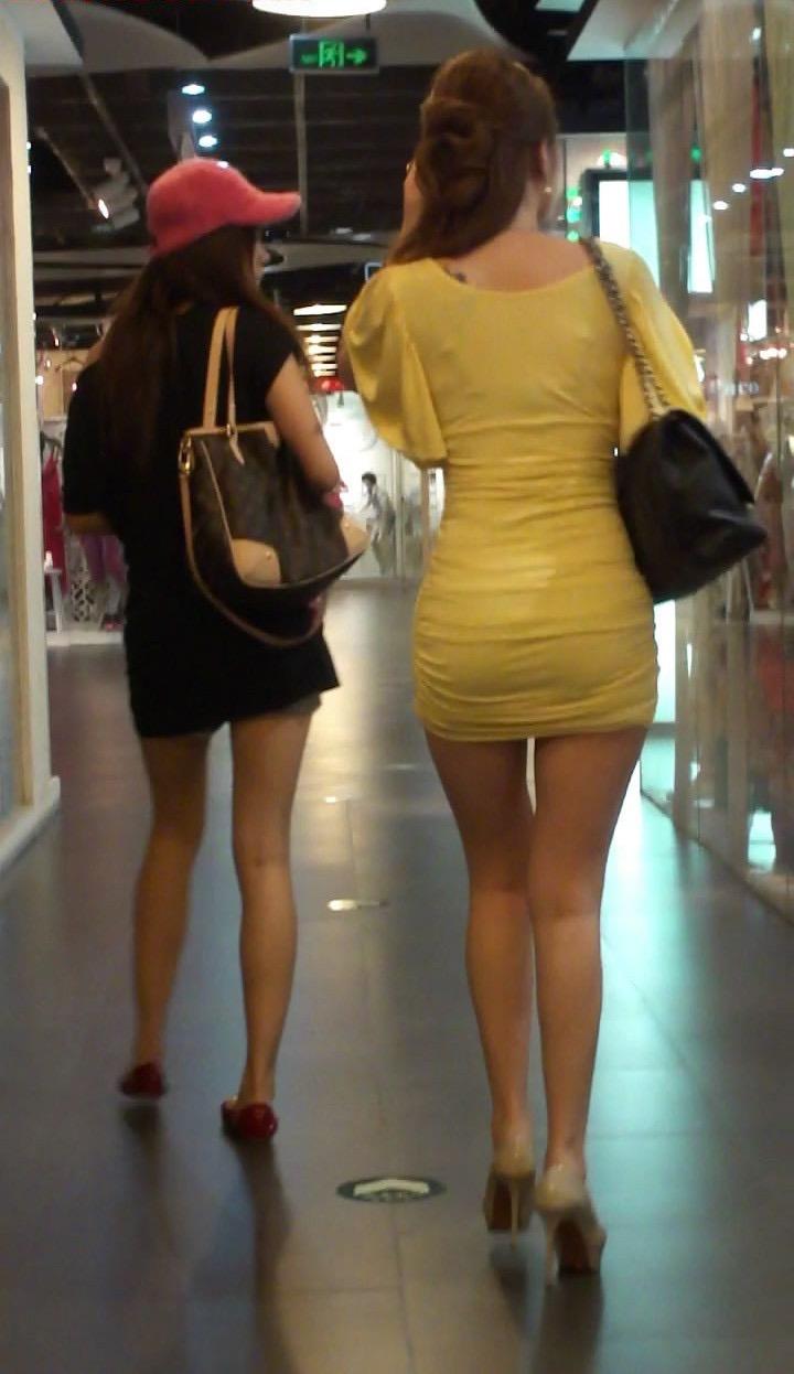【ミニスカエロ画像】春になってパンチラも気にせずミニスカートに穿き替える素人娘たち 69