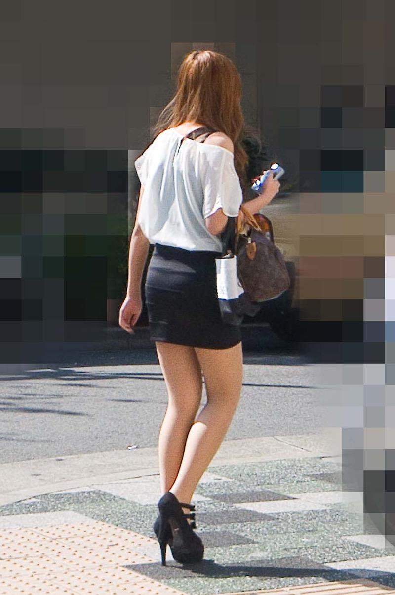 【ミニスカエロ画像】春になってパンチラも気にせずミニスカートに穿き替える素人娘たち 78