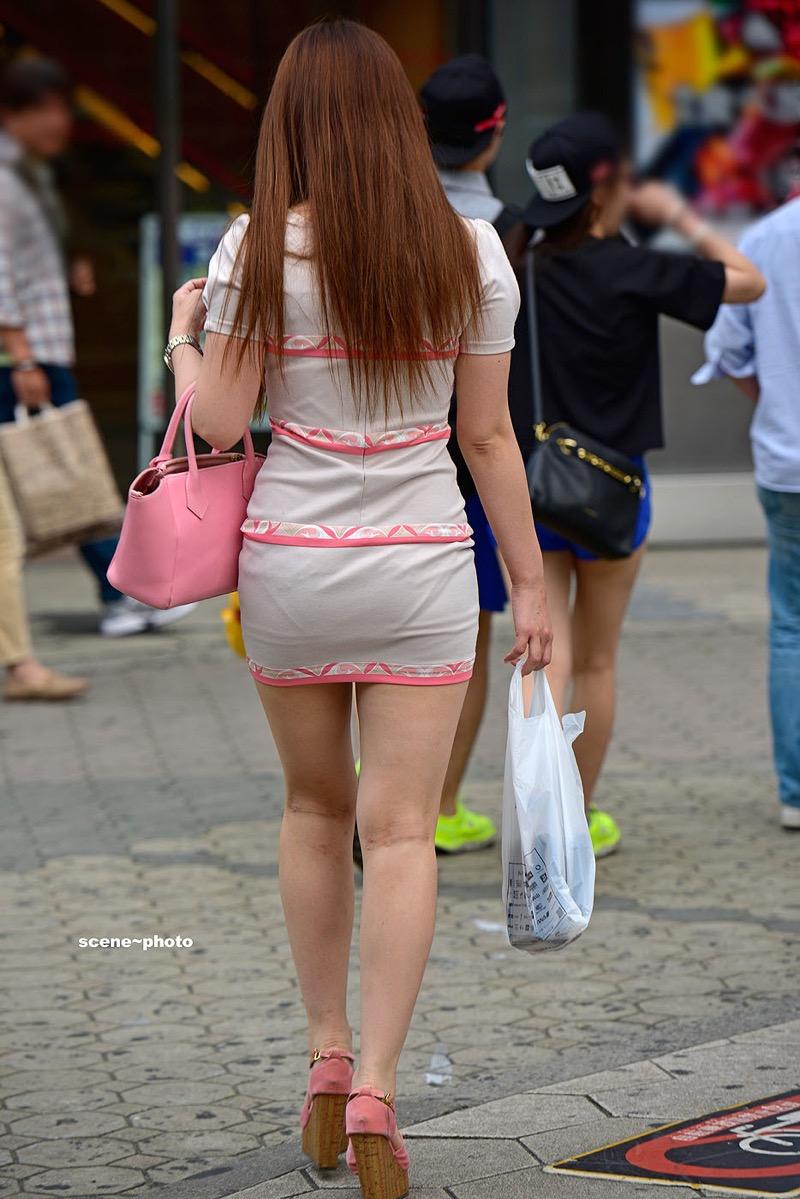 【ミニスカエロ画像】春になってパンチラも気にせずミニスカートに穿き替える素人娘たち 80