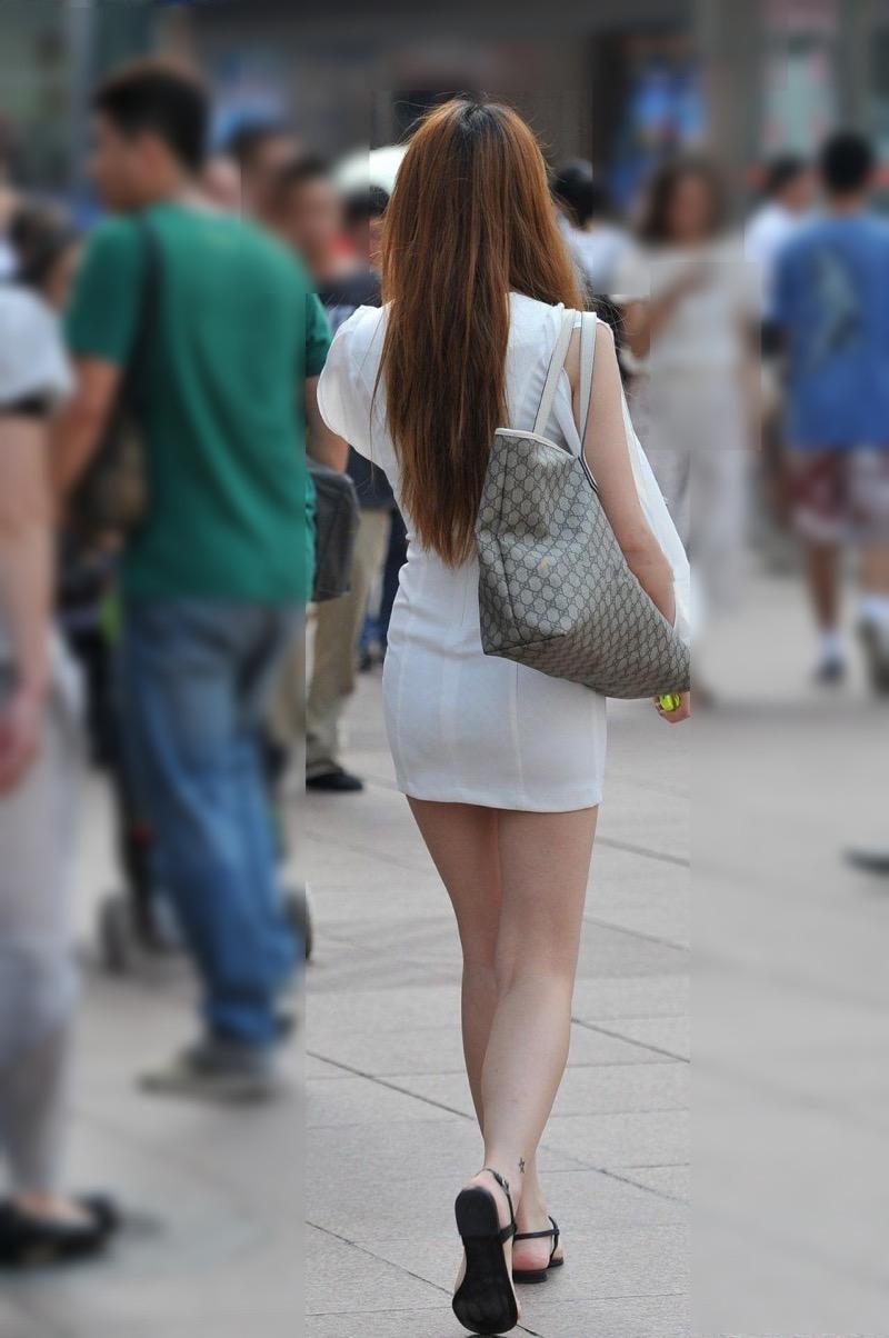 【ミニスカエロ画像】春になってパンチラも気にせずミニスカートに穿き替える素人娘たち 82