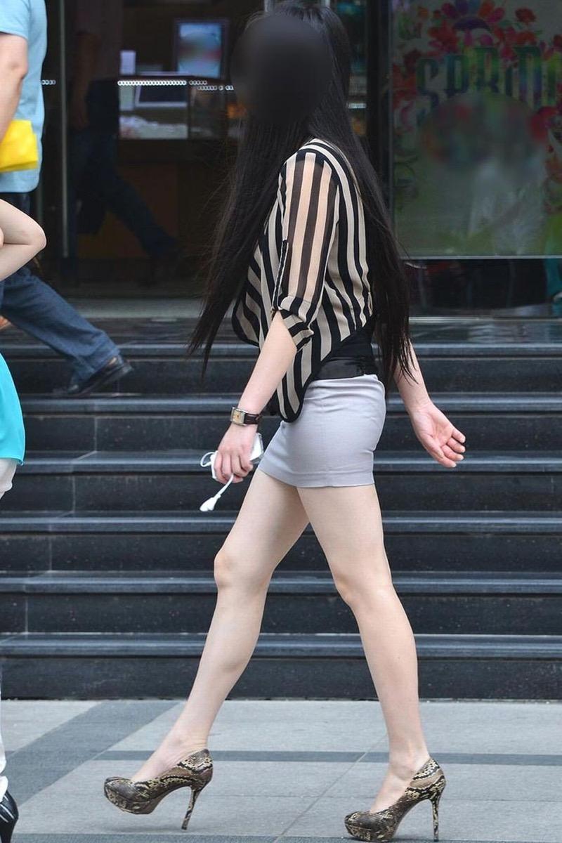 【ミニスカエロ画像】春になってパンチラも気にせずミニスカートに穿き替える素人娘たち 87