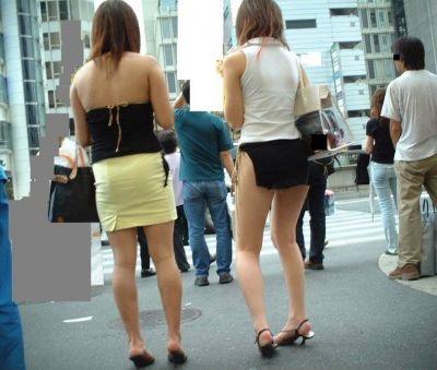 【ミニスカエロ画像】春になってパンチラも気にせずミニスカートに穿き替える素人娘たち 88