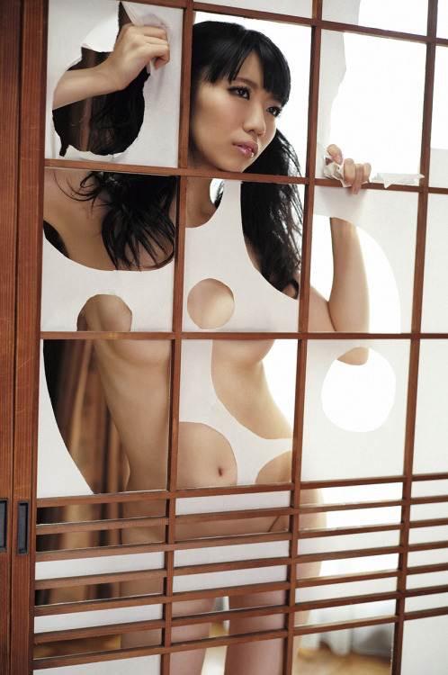 【ぱいぱいでか美エロ画像】インパクトありすぎる芸名で生き残ってきたブサかわ巨乳タレント 04
