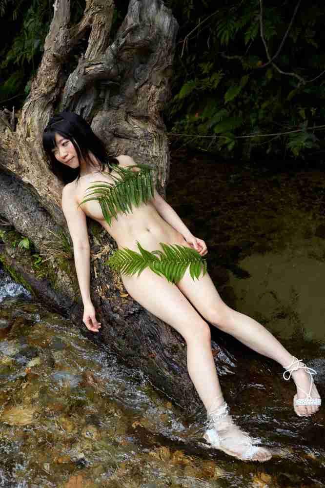 【ぱいぱいでか美エロ画像】インパクトありすぎる芸名で生き残ってきたブサかわ巨乳タレント 08