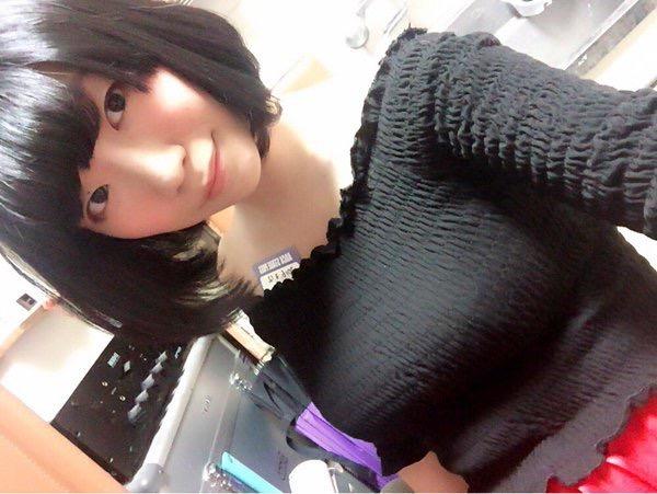 【ぱいぱいでか美エロ画像】インパクトありすぎる芸名で生き残ってきたブサかわ巨乳タレント 42