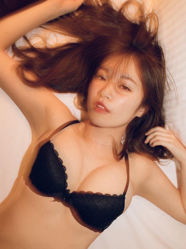 【菜乃花グラビア画像】同居している妹が激似で双子みたいで可愛いと話題の爆乳グラドル 13