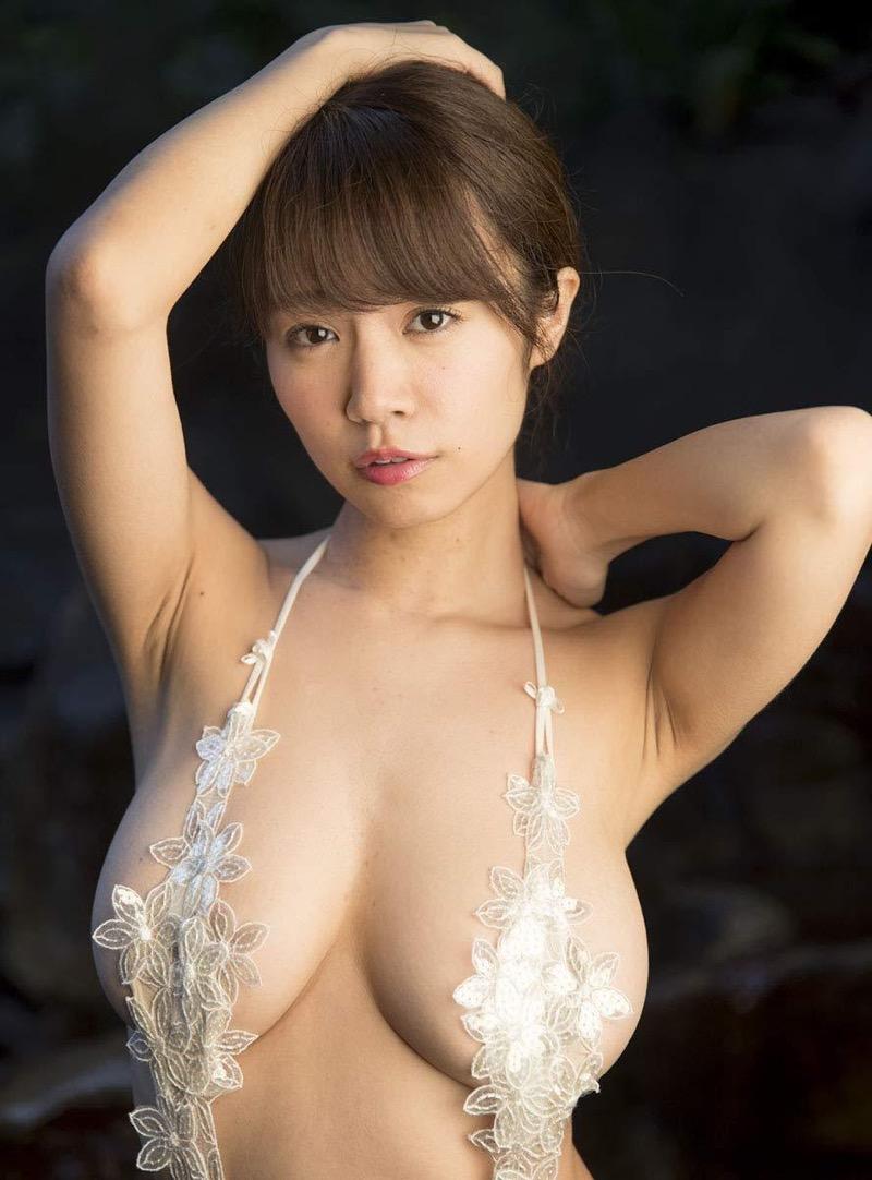 【菜乃花グラビア画像】同居している妹が激似で双子みたいで可愛いと話題の爆乳グラドル 25