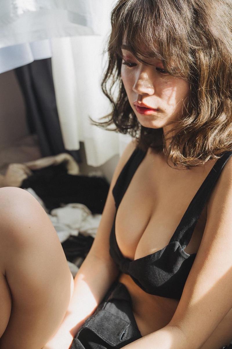 【菜乃花グラビア画像】同居している妹が激似で双子みたいで可愛いと話題の爆乳グラドル 40