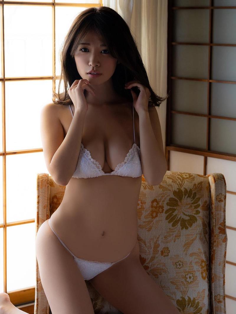 【菜乃花グラビア画像】同居している妹が激似で双子みたいで可愛いと話題の爆乳グラドル 53