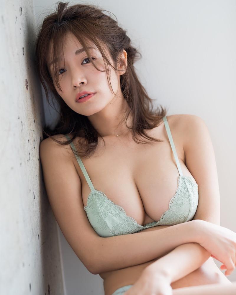 【菜乃花グラビア画像】同居している妹が激似で双子みたいで可愛いと話題の爆乳グラドル 71