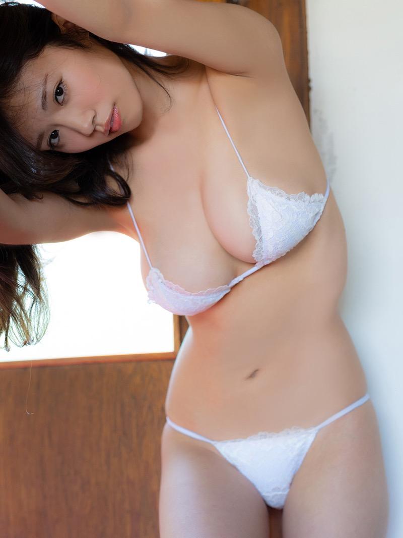 【菜乃花グラビア画像】同居している妹が激似で双子みたいで可愛いと話題の爆乳グラドル 75
