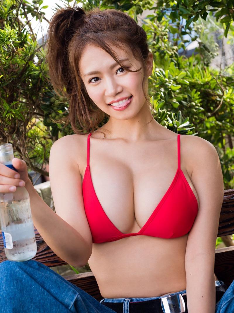 【菜乃花グラビア画像】同居している妹が激似で双子みたいで可愛いと話題の爆乳グラドル 80