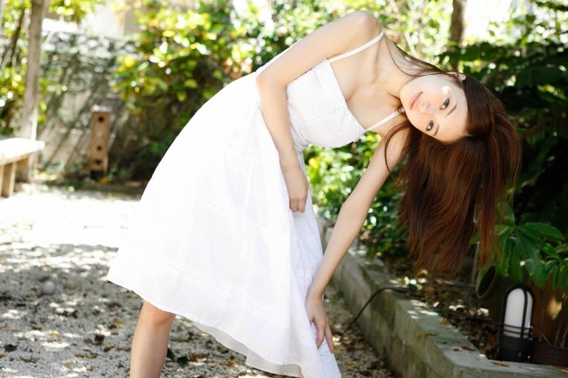 【逢沢りなエロ画像】自分の可愛さに自信満々で面接を受けて落とされた美人女優の過去 03