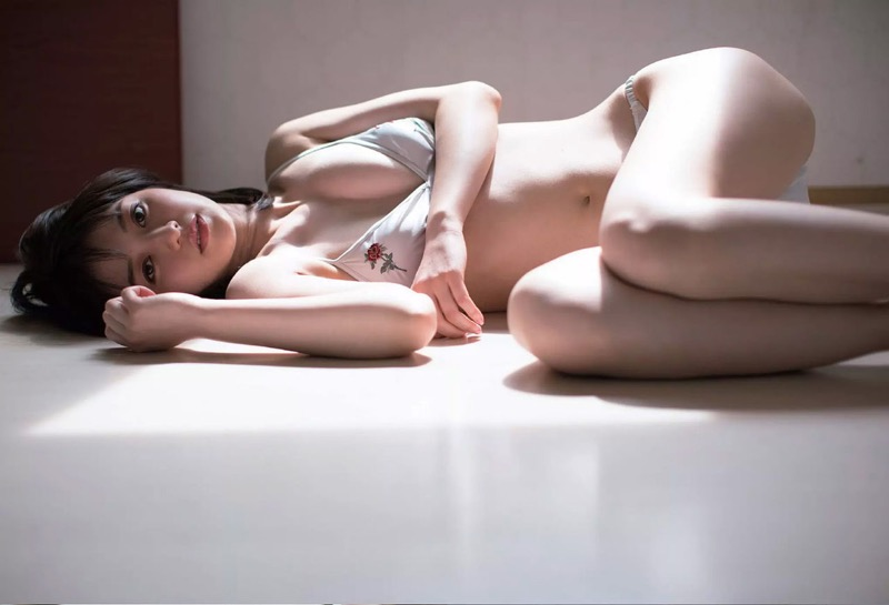 【逢沢りなエロ画像】自分の可愛さに自信満々で面接を受けて落とされた美人女優の過去 08