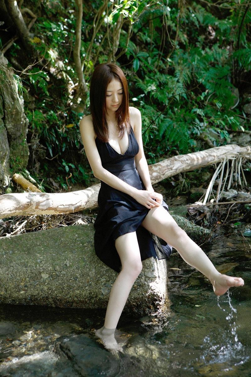 【逢沢りなエロ画像】自分の可愛さに自信満々で面接を受けて落とされた美人女優の過去 21