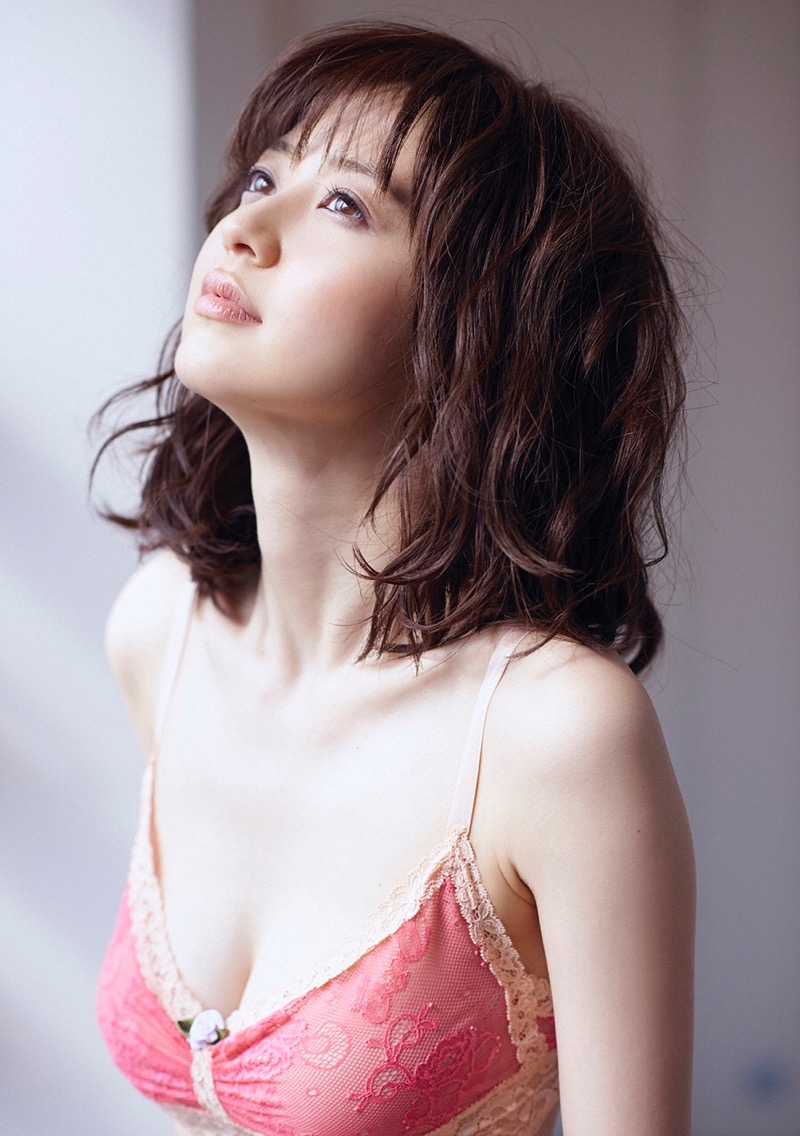 【逢沢りなエロ画像】自分の可愛さに自信満々で面接を受けて落とされた美人女優の過去 47