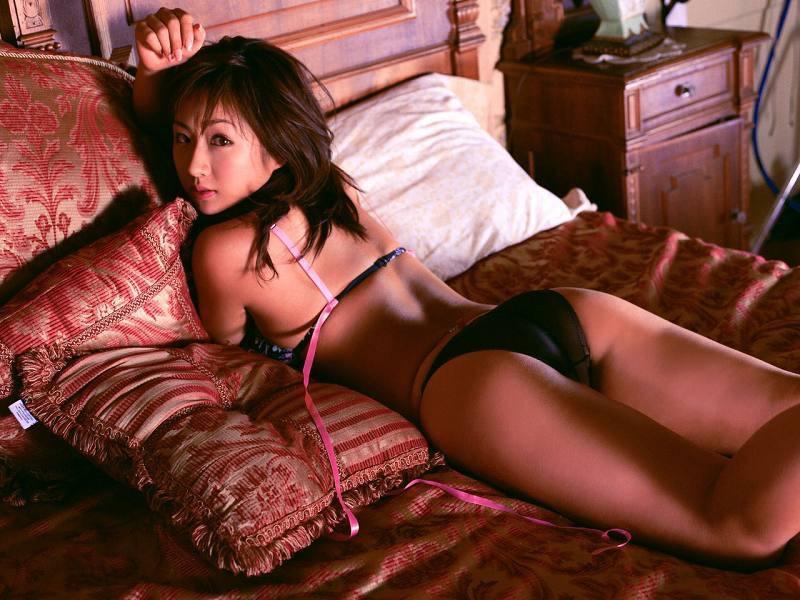 【愛川ゆず季グラビア画像】100cmHカップ爆乳ダイナマイトボディのグラビアアイドル! 09