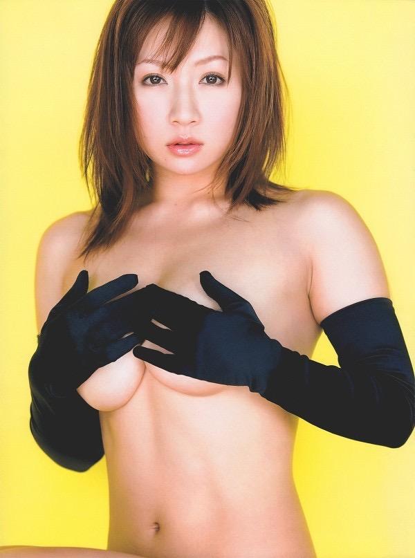 【愛川ゆず季グラビア画像】100cmHカップ爆乳ダイナマイトボディのグラビアアイドル! 23