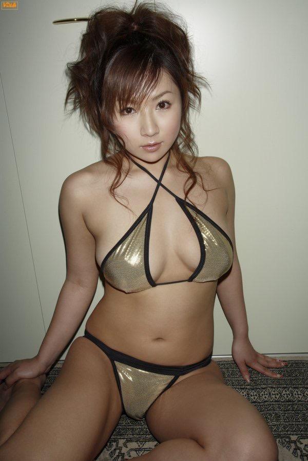 【愛川ゆず季グラビア画像】100cmHカップ爆乳ダイナマイトボディのグラビアアイドル! 43